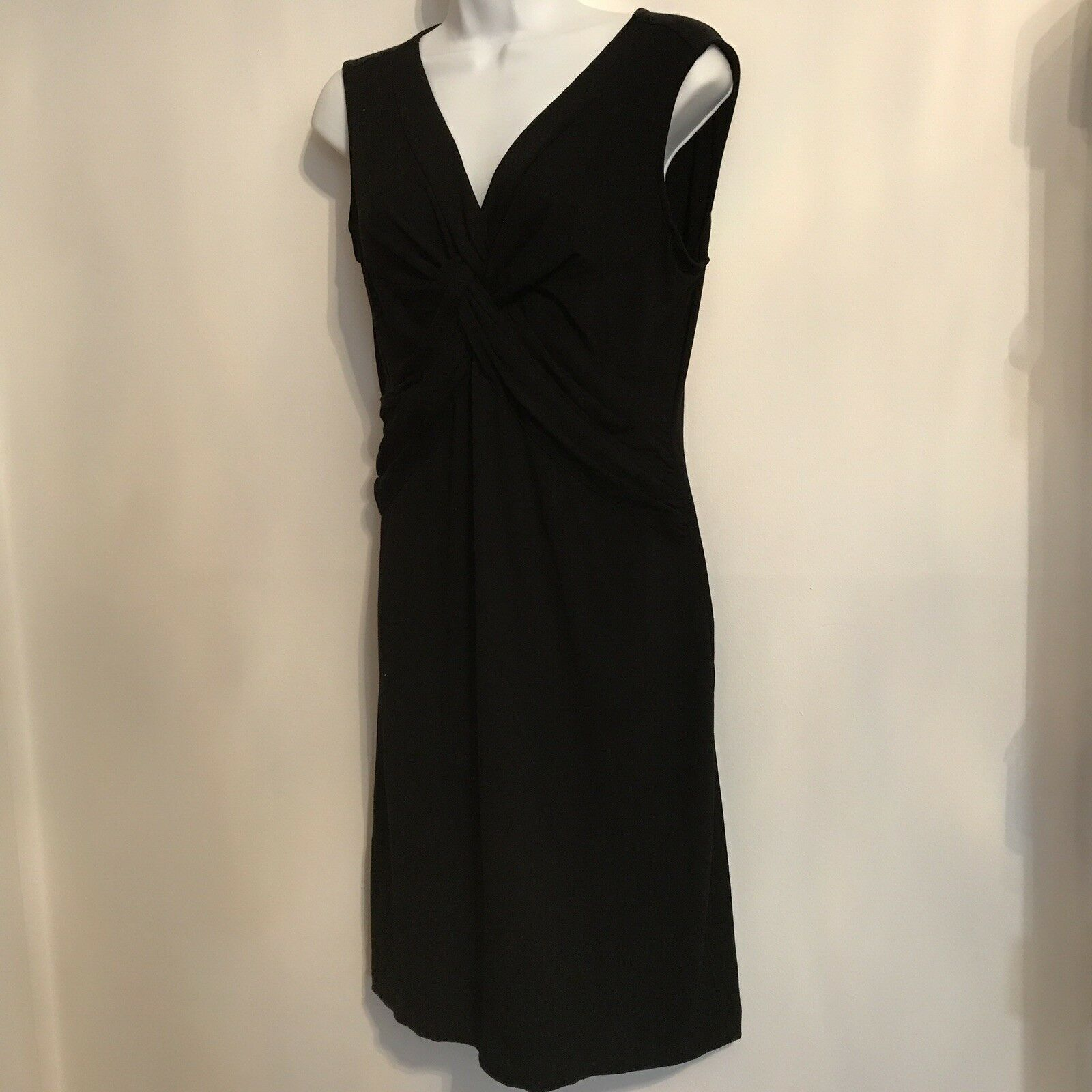 Nwt Ann Taylor schwarz Knot Dress. Größe Medium