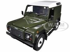 LAND ROVER DEFENDER 90 HARD TOP GREEN 1/18 BY UNIVERSAL HOBBIES 3882