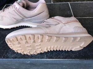 1c9e7a8590 Das Bild wird geladen new-balance-sneaker-damen