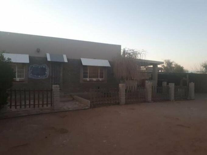 3 Bedroom with 2 Bathroom Cluster For Sale Northern Cape