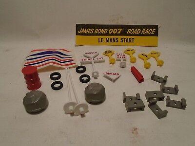 ORIGINAL A.C.GILBERT JAMES BOND 007 RACE SET 24 PC ACCESSORY PACKAGE /& STICKER
