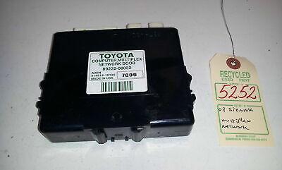 2004-2010 Toyota Sienna Computer Multiplex Network Door Module 89222-08032 OEM