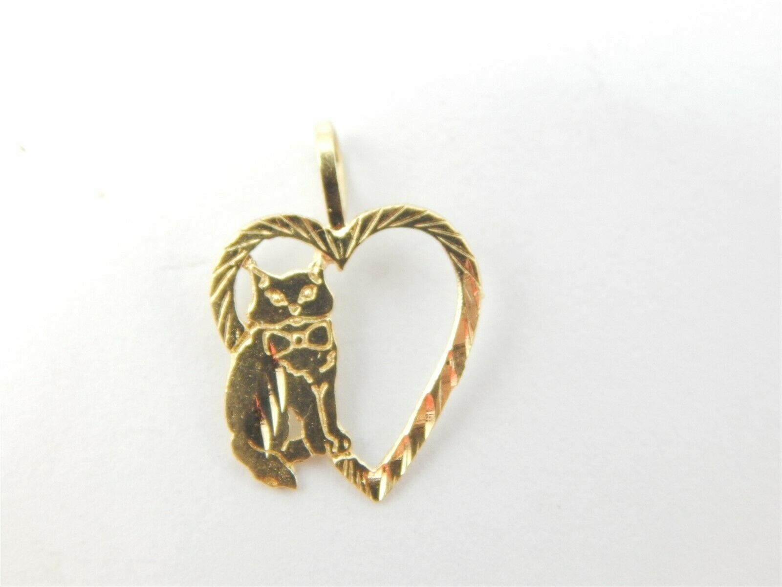 14K YELLOW gold HEART WITH KITTY CAT PENDANT