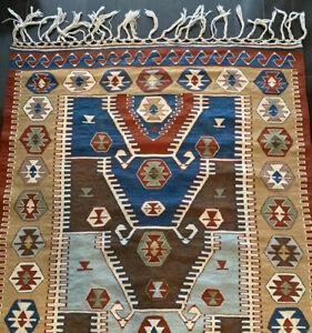 Handmade-carpet-Native-American-Sioux-Navajo