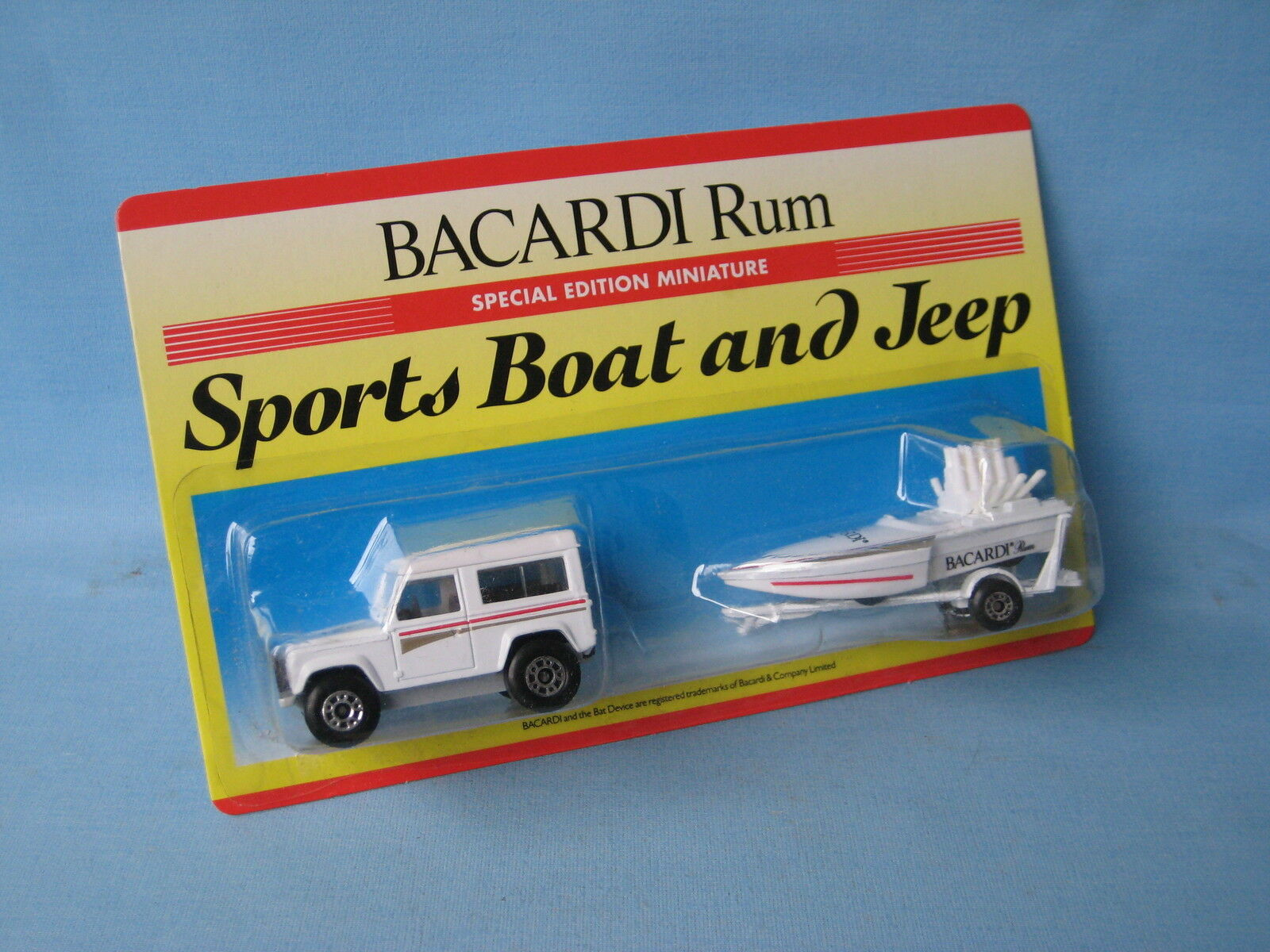 Matchbox Land Rover 90 Defender Seafire Boat Bacardi Rum Toy Model Car in BP