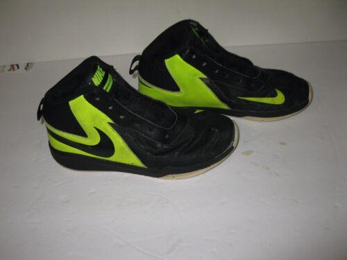 7 68fd9cdd8f4db2bd633174a12abc58066 5 Nike 'Team Hustle oder Kids D BasketballschuheSchwarzVoltWeiß zSVUpGqM