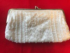Vintage-Walborg-White-hand-beaded-8-034-X-4-5-034-clasp-closure-clutch-purse