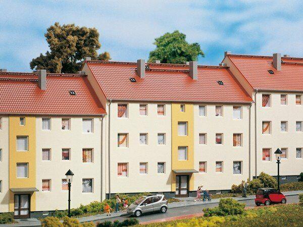 Auhagen 11402 Mehrfamilienhaus in H0 Bausatz Fabrikneu