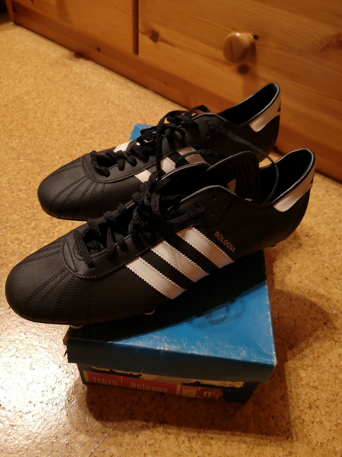 Adidas Fußballschuhe Bologna, Größe 46, Schraubstollen, Schraubstollen, Schraubstollen, Neu, Vintage 2833f8