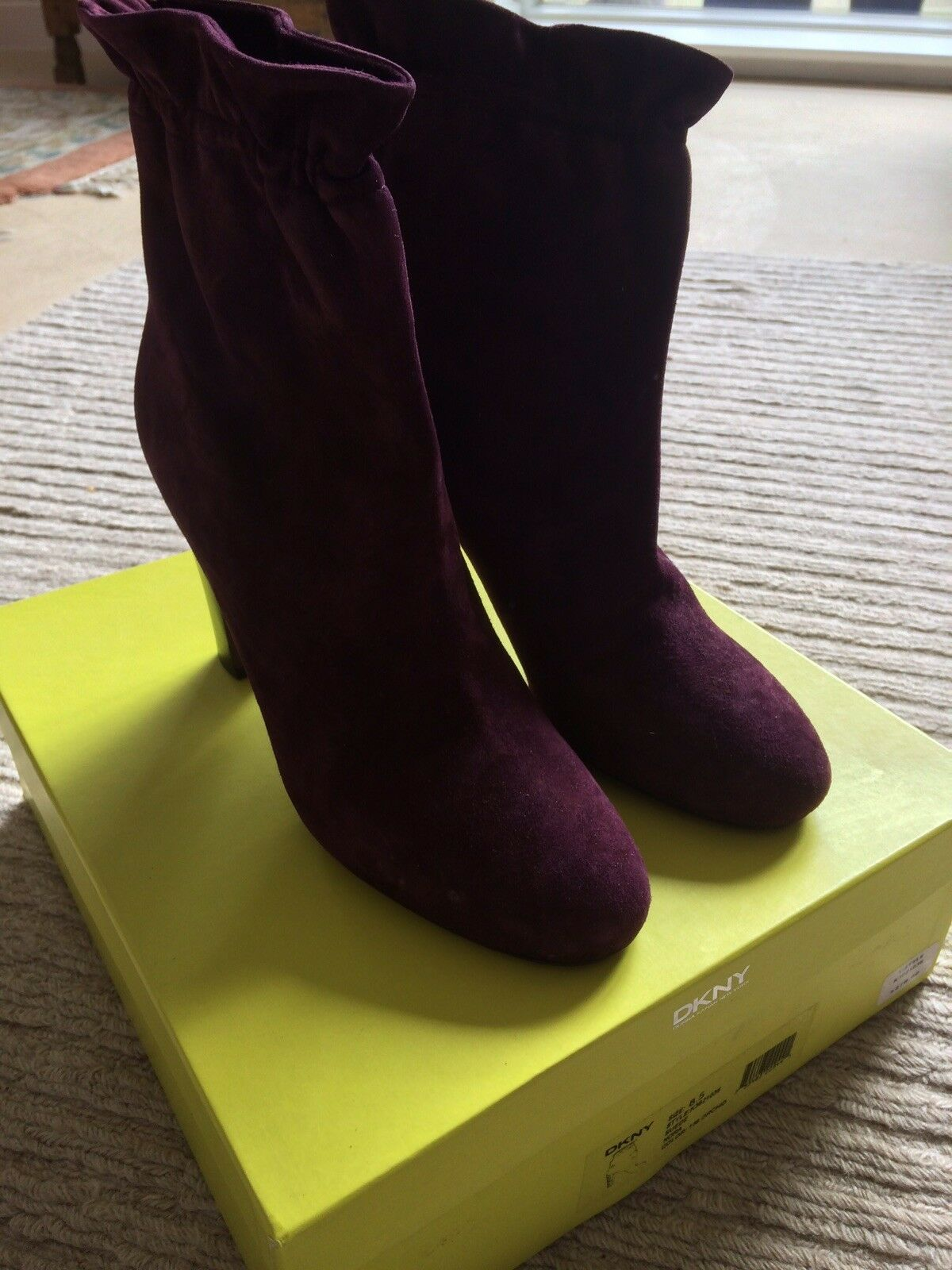 DKNY Suede Stiefel Uk Uk Uk 6.5 New In Box ed6353