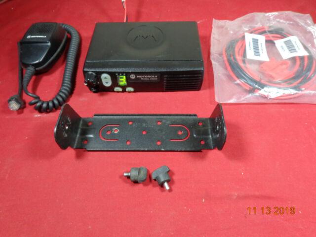 Motorola Original CP200 AAH50KDC9AA1AN Handheld VHF Transceiver 146-174 MHz 5 Watts 4 Channels