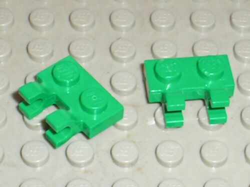 2 x LEGO green Plate 1 x 2 with Clips ref 60470 Set 7733 20015 20200 20011 ...