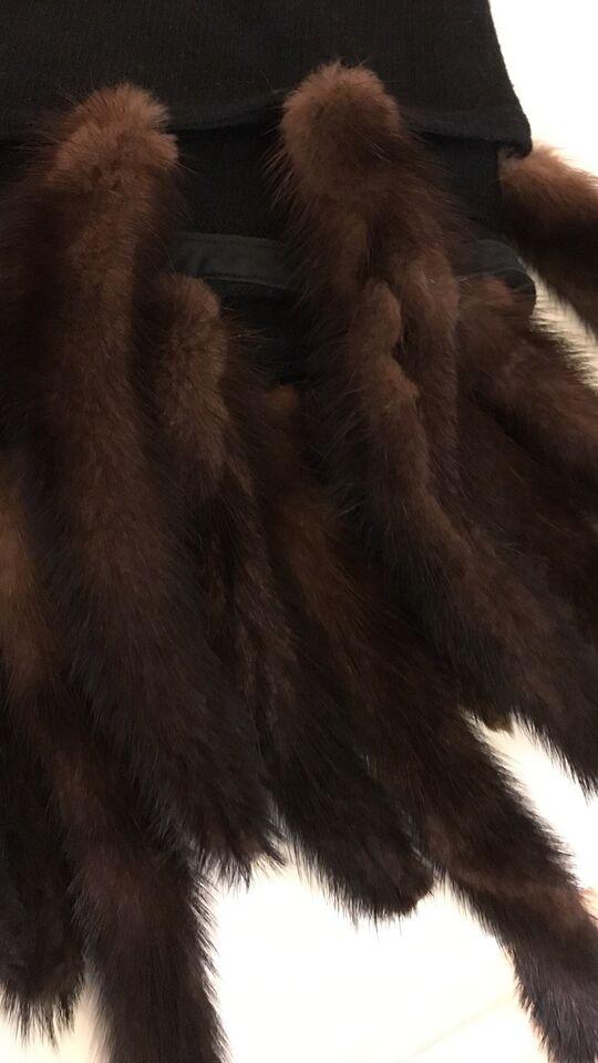 Efterstræbte Pels, Sjal med pels mink, Malene – dba.dk – Køb og Salg af Nyt og QP-02