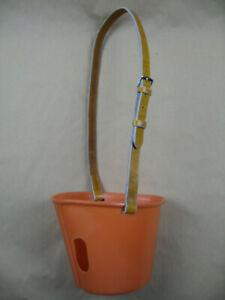 Maulkorb-Fresshemmer-Inhalationskorb-aus-Kunststoff-mit-Lederriemen-Grosspferd
