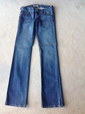 LADIES GUESS JEANS, WASHED BLUE DENIM SIZE: 26 BROWN THREAD EMBROIDER ON POCKETS