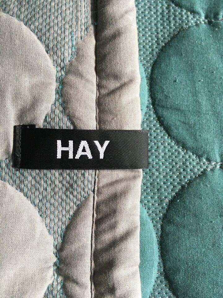 Hay sengetæppe, Hay