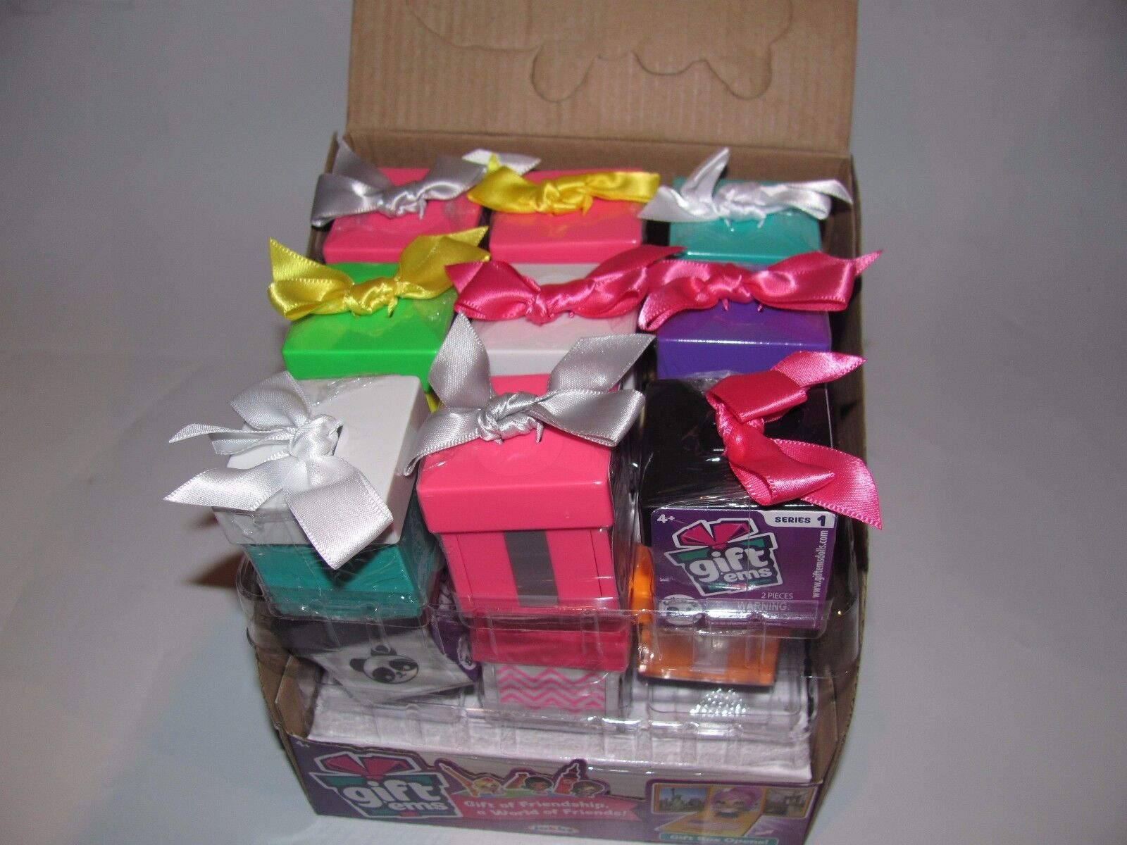 (1) BOX OF (18) GIFT'EMS SERIES 1 BLIND GIFT BOXES WITH FIGURE NEW JAKKS PACIFIC