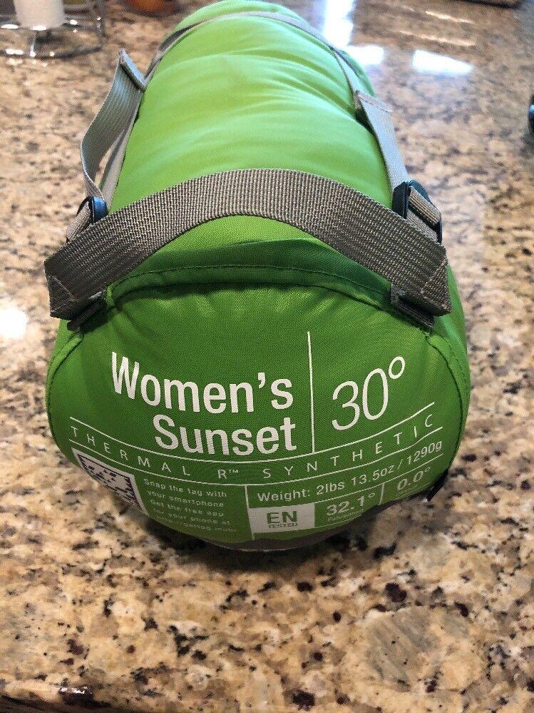 "NWT  199 Marmot Women's Sunset 30 Regular Right Sleeping Bag Green Up To 5'6"""