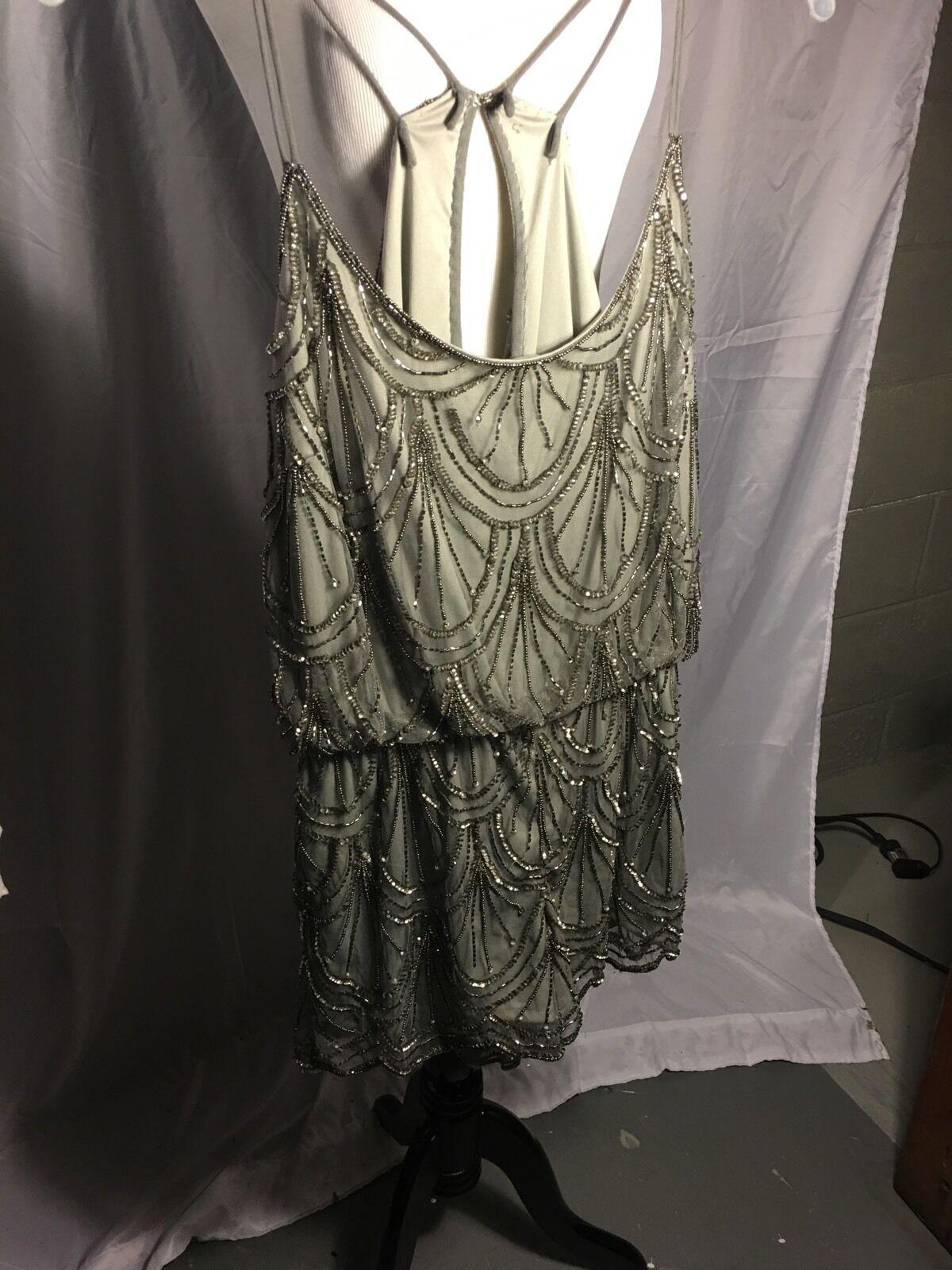 Angie Silber Beaded Jumpsuit Größe Medium T Back Open Spaghetti Strap Brand New