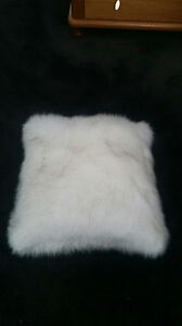 FAUX-FUR-CUSHIONS-COVERS-A-SET-OF-TWO-MAGIFICIENT-CUSHIONS
