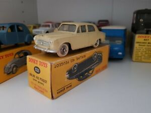 Dinky-toys-france-peugeot-403-no-521-no-24b-in-original-box