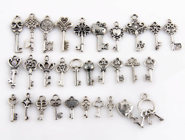 Lot Tibetan silver Vintage Alloy Key Shaped Pendants Charms Crafts Findings 25mm