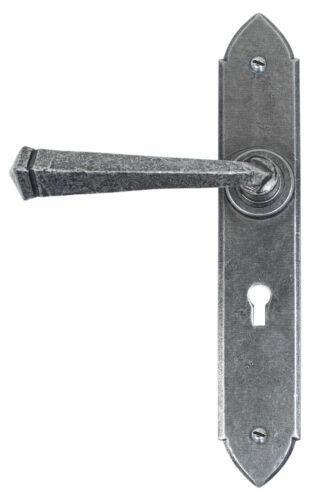 From the Anvil étain Gothique Levier Lock Set