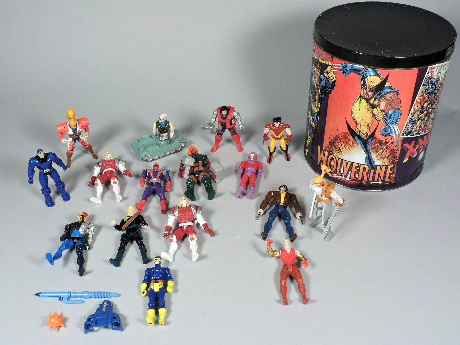 Vintage 1994 X-MEN Action Figures - 16 X-Men Figures with Storage Tin & 2 Cards