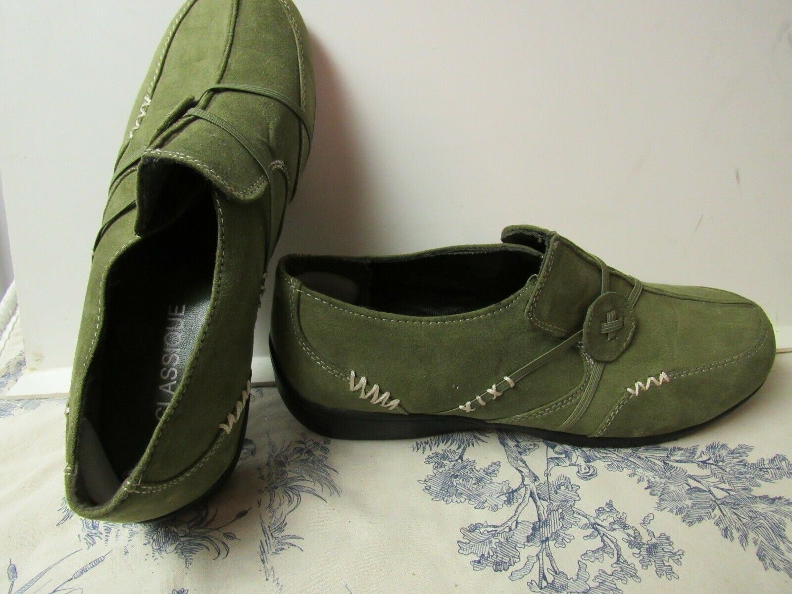 Women's Classique Brand Green Suede Casual Loafer Shoes