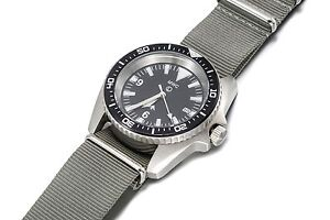 MWC-European-Pattern-Heavy-Duty-Stainless-Steel-Military-Divers-Watch-Quartz