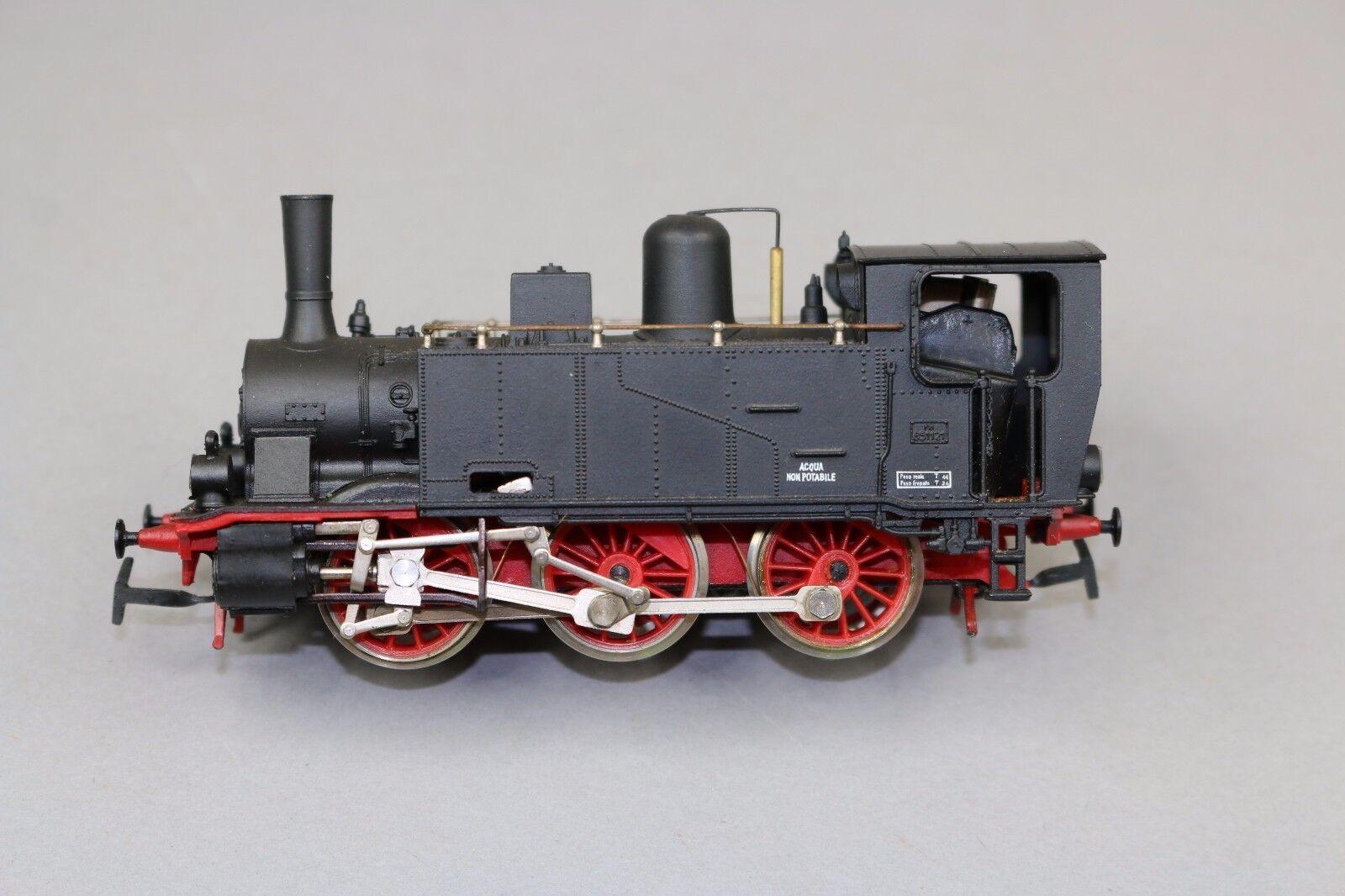 Y482 rivarossi train HO 111 steam locomotive 851.121 gr FS 0-3-0 without tander