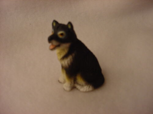 ALASKAN MALAMUTE dog FIGURINE puppy HAND PAINTED MINIATURE Resin Small Mini NEW