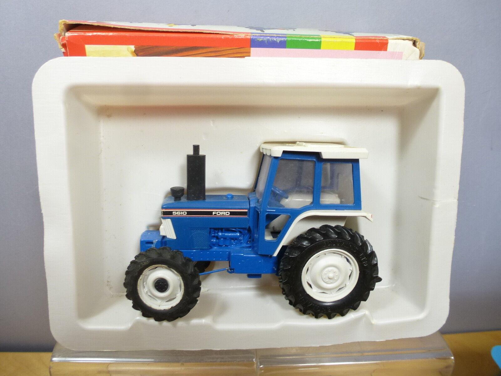 VINTAGE BRITAINS MODEL No.9527 Ford 5610 tracteur VN En parfait état, dans sa boîte