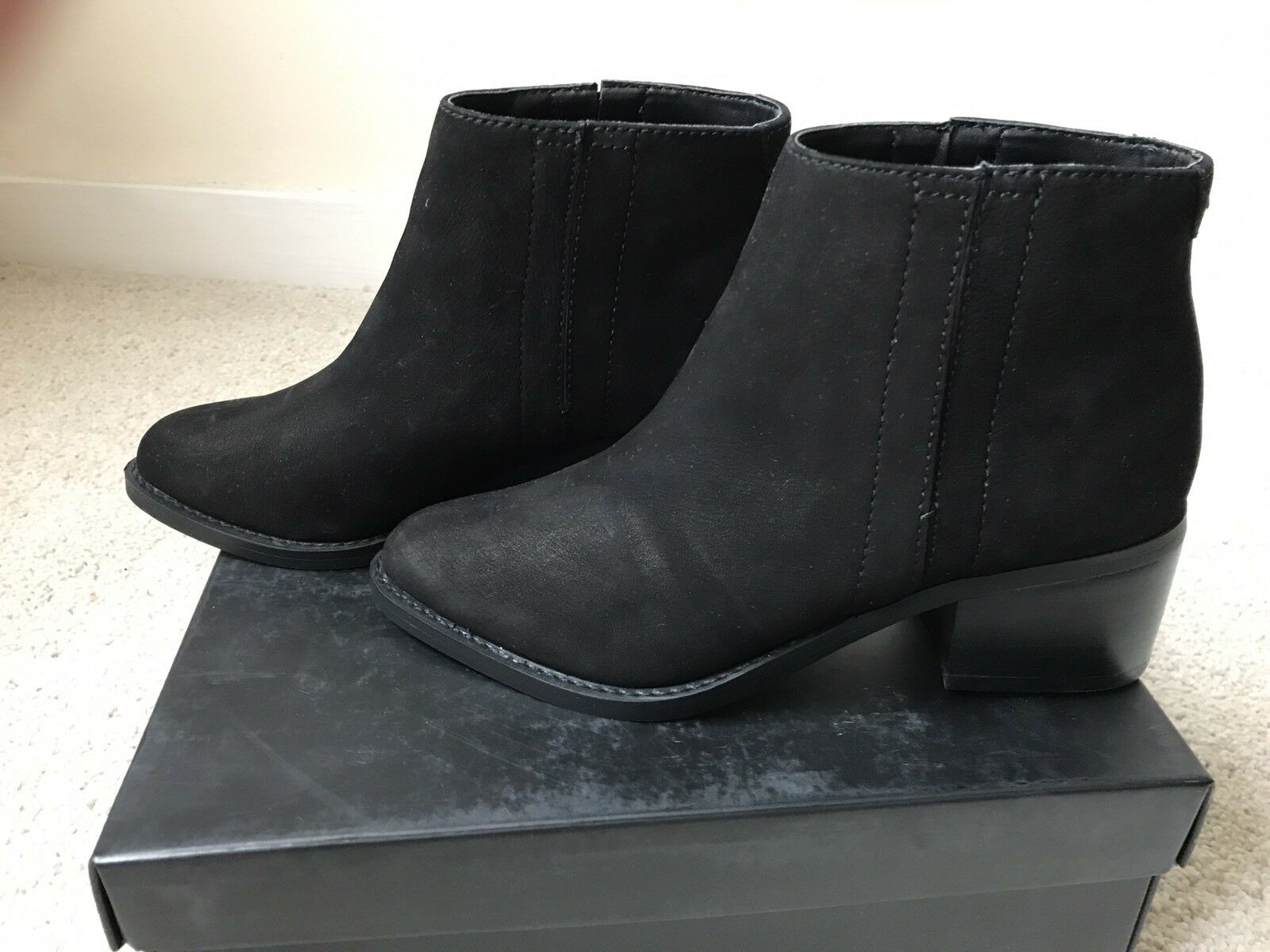 Zapatos especiales con descuento Kurt Geiger Ladies Black Leather Ankle Boots Sz 4 New In Box