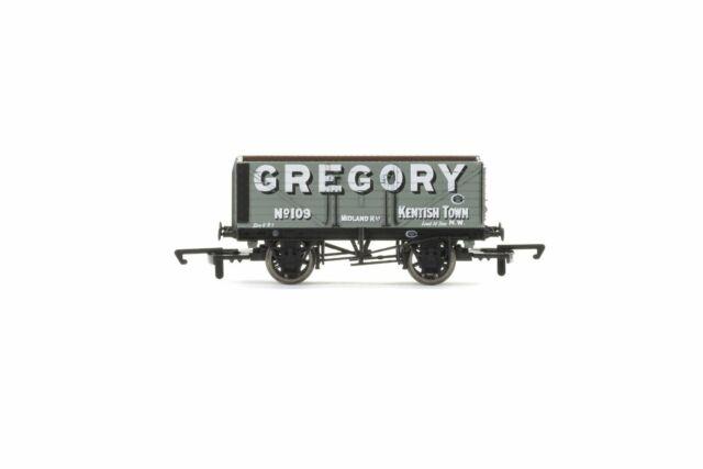 Hornby R6755 OO Gauge 7 Plank Wagon Gregory