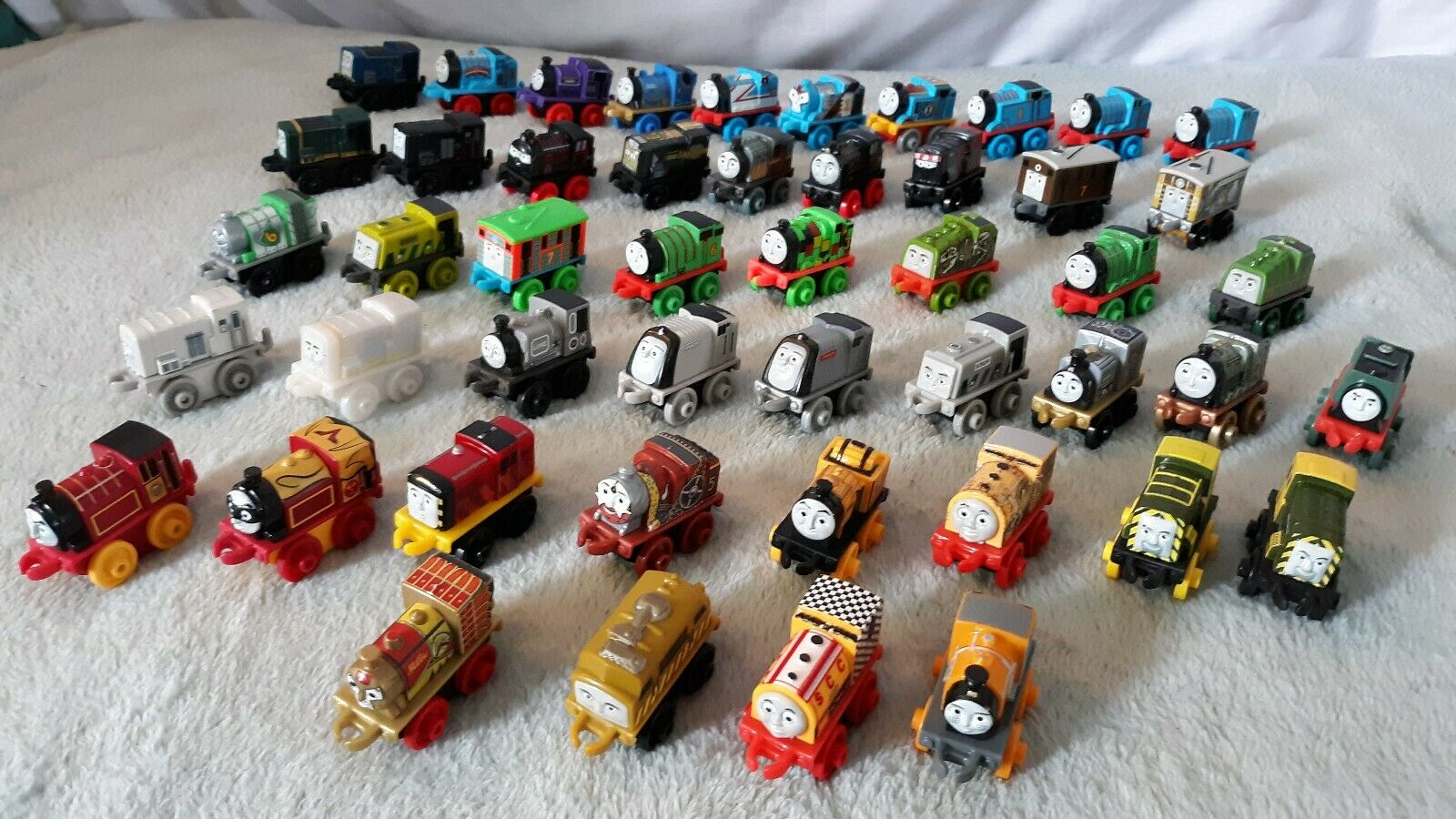 HUGE LOT OF 49 MINI THOMAS THE TRAIN AND FRIENDS CAR FIGURES