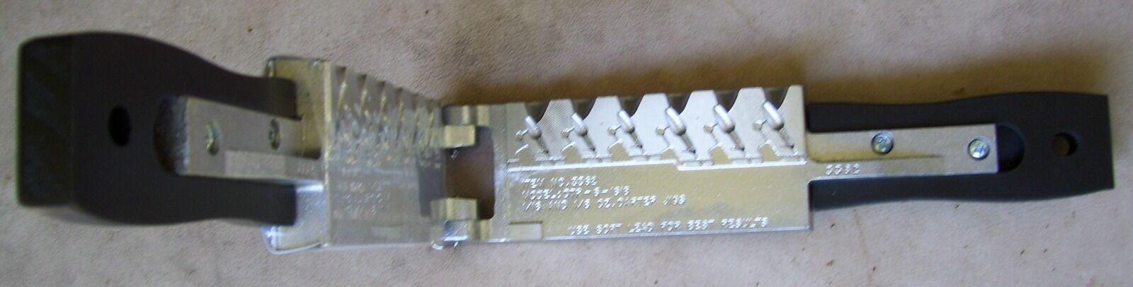 Do-It Darter Jig Mold-6 Cavities-3 each of 1 16 & 1 8 oz (Item )