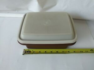 Vintage Tupperware Brown Lunch Box With Handle Pack N Carry (No Handle included)
