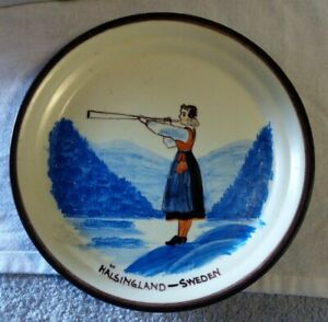 Hand-Painted-glazed-Pottery-Plate-New-York-Worlds-Fair-1939-Halsingland-Sweden