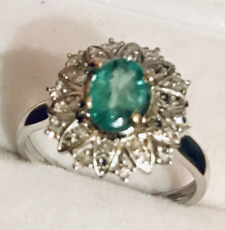 ESTATE   1.33CTW NATURAL  EMERALD AND REAL DIAMONDS RING IN 14K  2 TONE gold