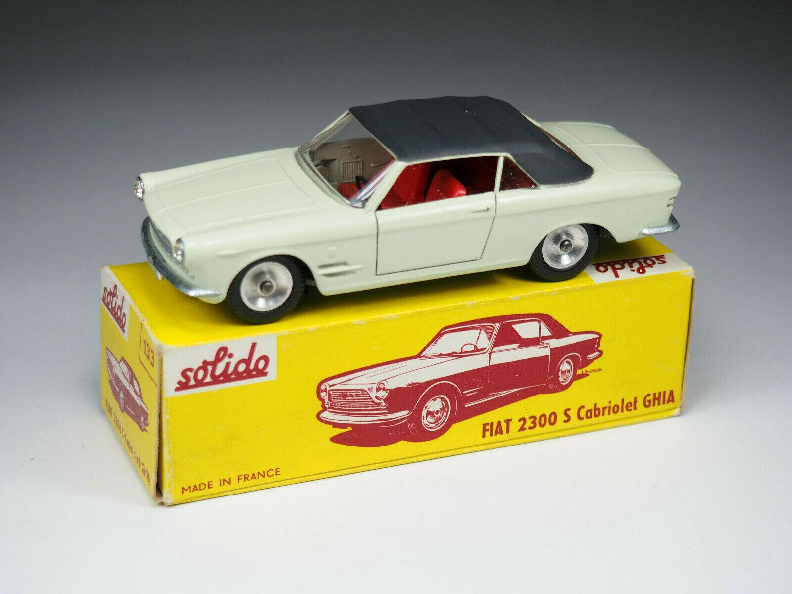 Solido - 133-fiat 2300 s ghia carbiolet-cream red interior - 1 43e