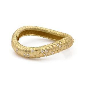 Angela-Cummings-Diamond-18k-Yellow-Gold-Scale-Design-Wave-Bangle-Bracelet