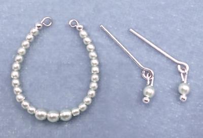 Barbie Dreamz CREAM WHITE Graduated Triple Pearl Earrings Doll Jewelry