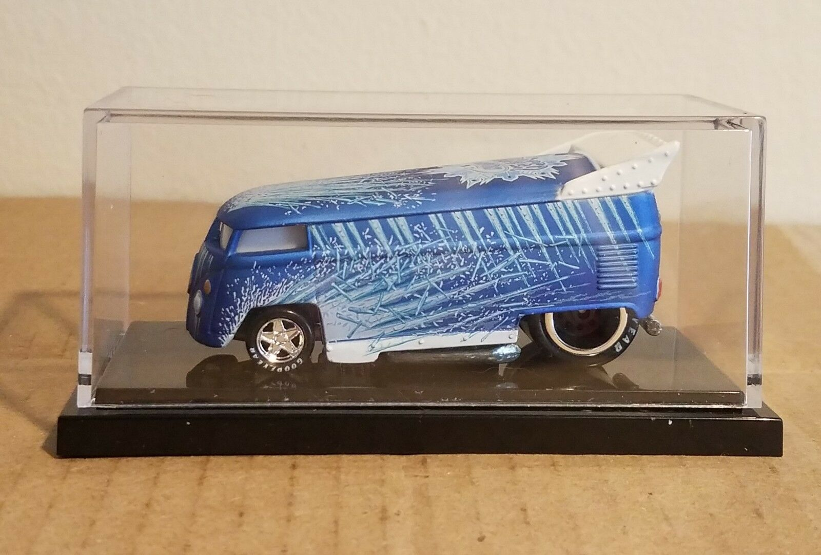 Liberty Promotions Hot Wheels Winter Wagon Icicle VW Drag Bus Low