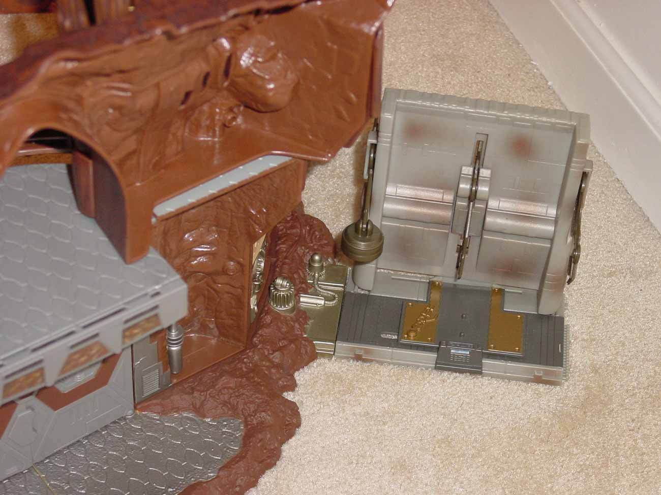 STAR WARS AOTC GEONOSIS BATTLE ARENA SECRET HANGAR DROID FACTORY FACTORY FACTORY 13fc66