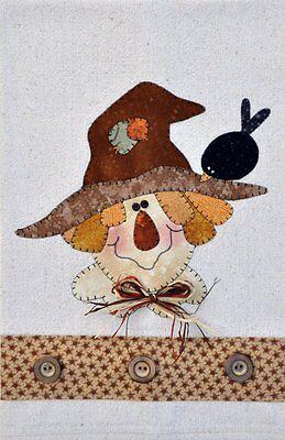 Blue Bird ~ Wooden Bear Quilt Designs ~ Applique Pattern ~ tea towel P24