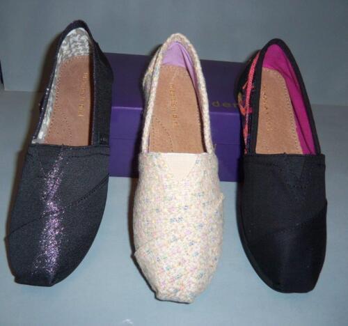 Madden Girl Women/'s À Enfiler Noir Ou Ivoire ou paillettes Gloriee Chaussures Tailles NEW IN BOX