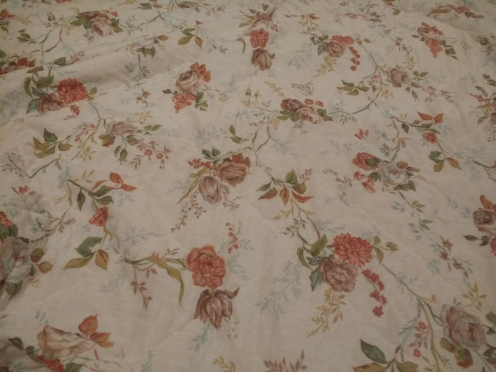 Vintage Floral King Size Bedspread with Flat Sheet & 2 King Pillowcases