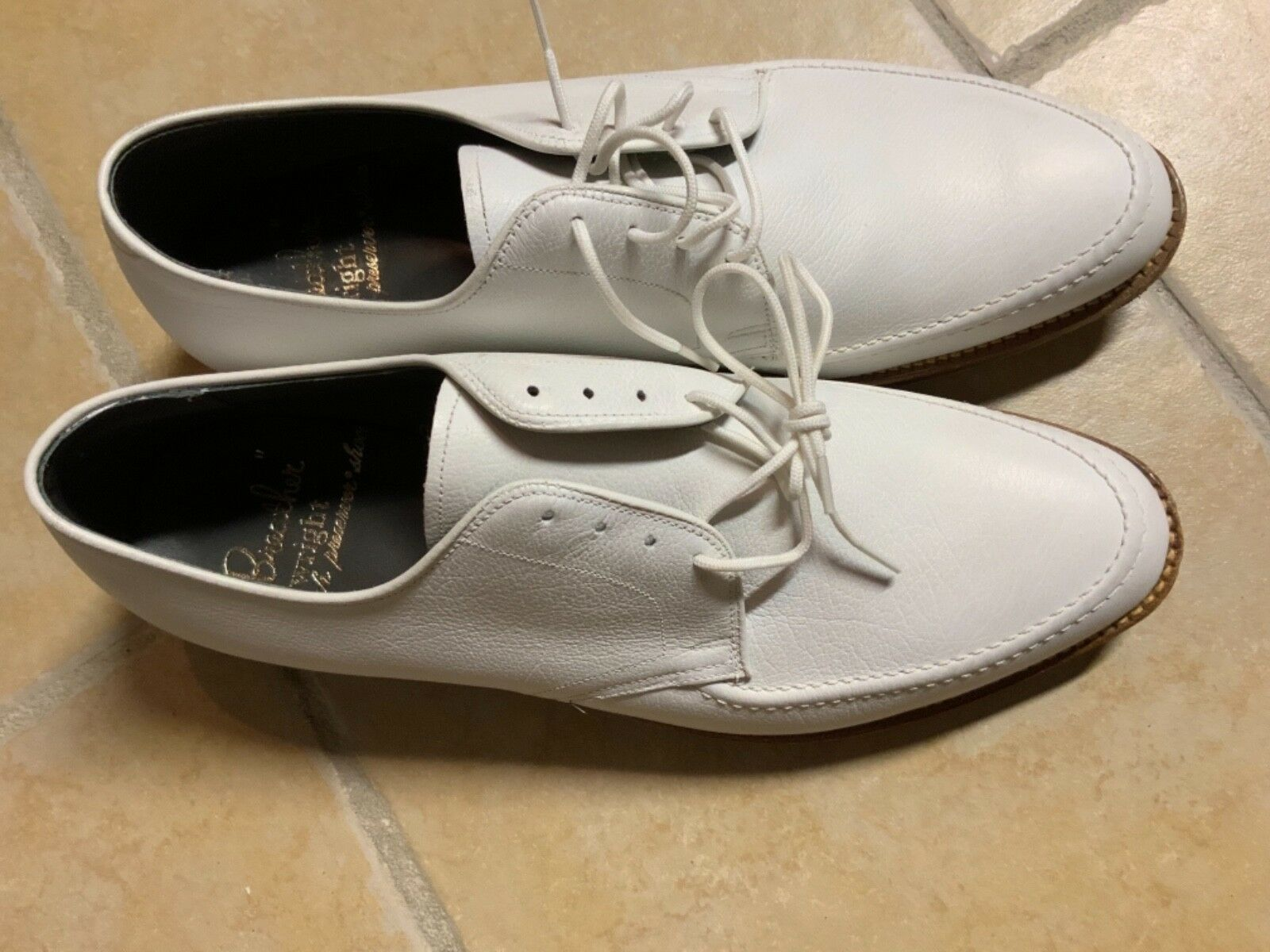 Breather Wright Arch Peserver Men's White Dress shoes Size 9