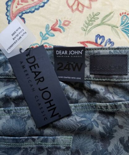 NWT DEAR JOHN Size 24W Skinny Cropped Stretch Pants Olive Green Flower Print